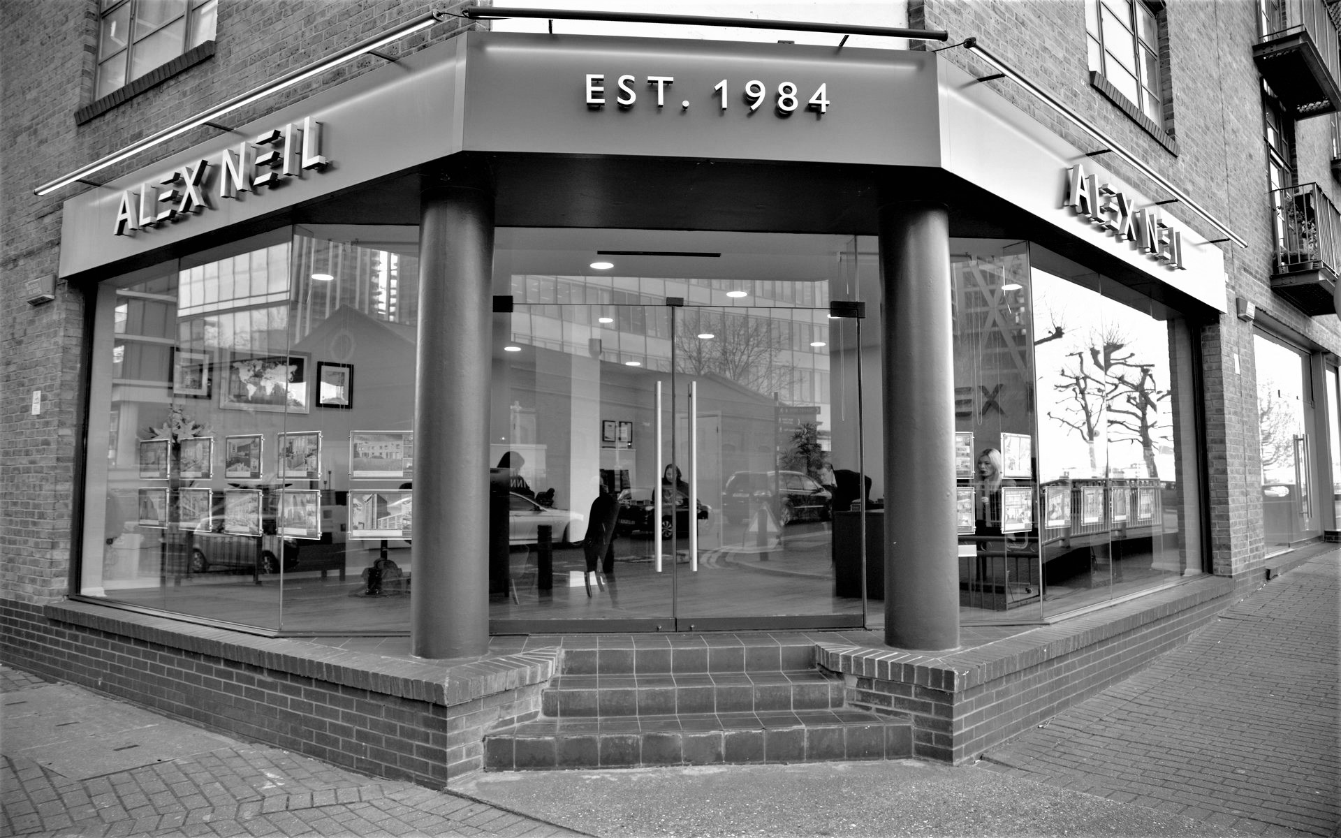 Alex Neil Estate Agents Canary Wharf & Docklands Office