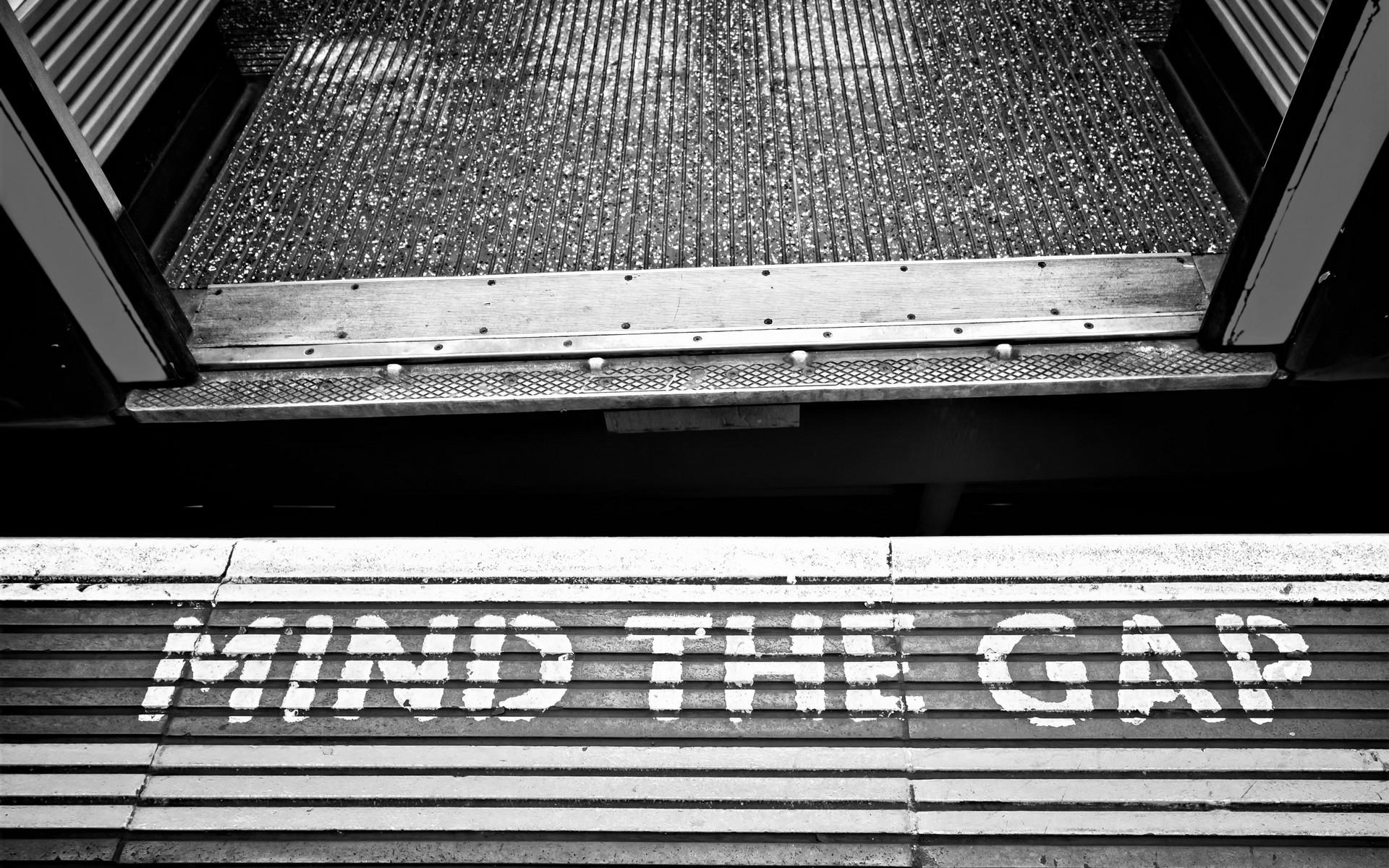 Crossrail delay, mind the gap