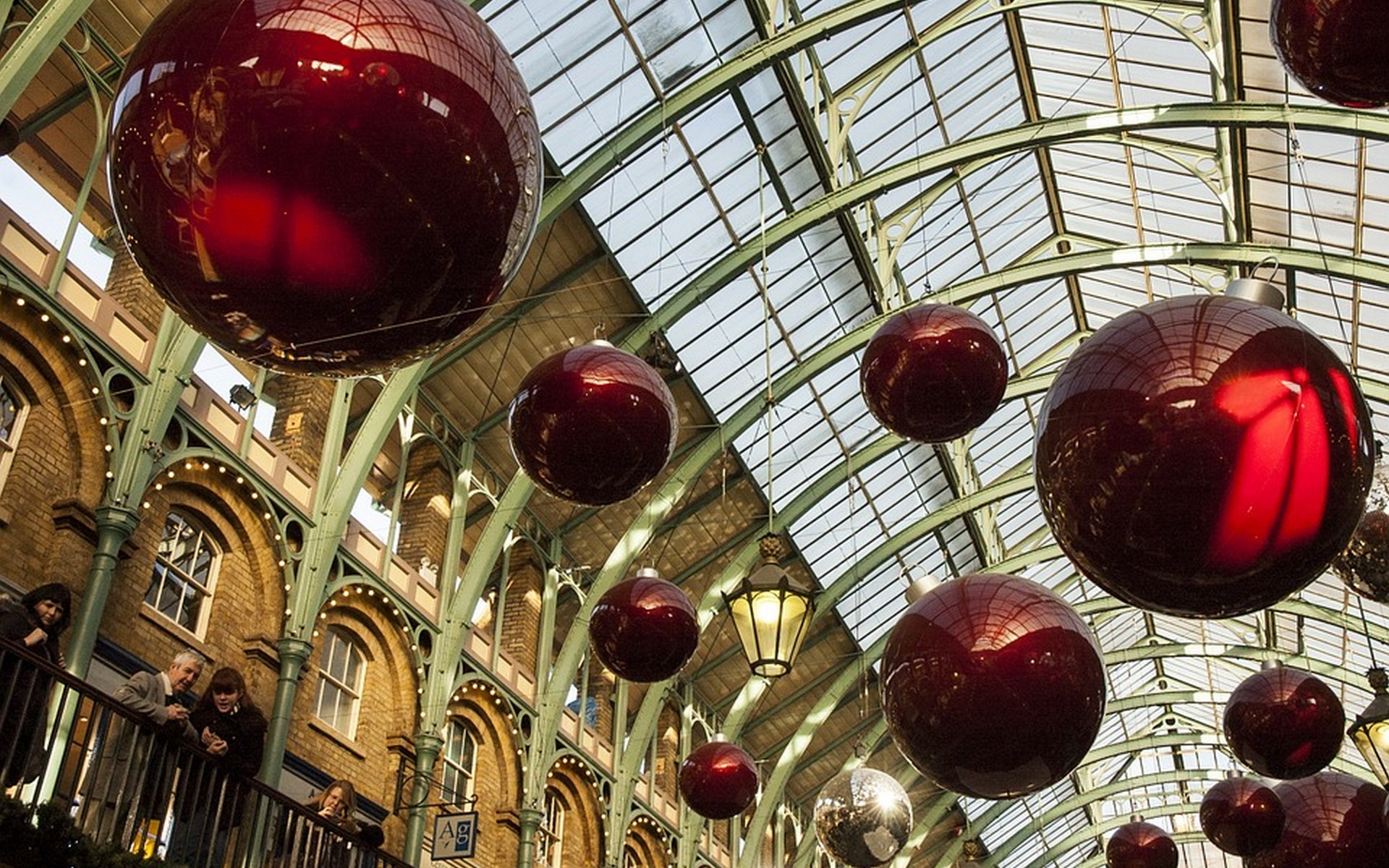 Opulent Christmas Decorations at Covent Garden, London