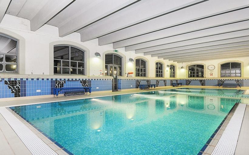 Bow Quarter Swimming Pool